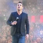 Robbie Williams a fost contactat de spiritul lui Frank Sinatra