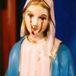 O statuie a maicii Domnului a început să plângă în Donegal, Irlanda