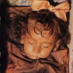 Mumia fetiţei siciliene care deschide ochii