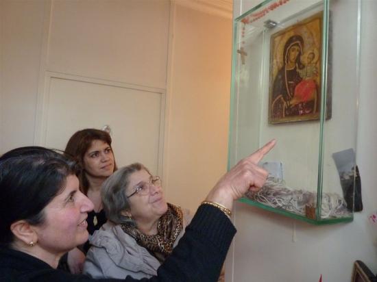 Un caz complicat: statuia care plânge din casa familiei Altindagoglu
