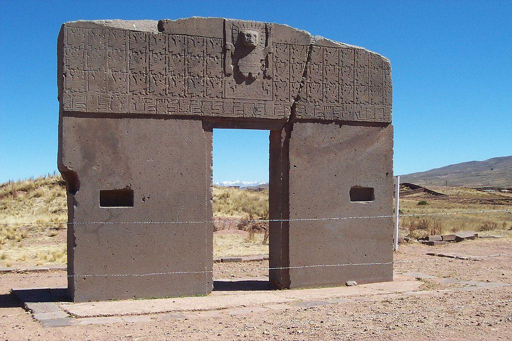Poarta Soarelui din Tiwanaku (Tiahuanaco) autor foto Mhwater-Wikipedia