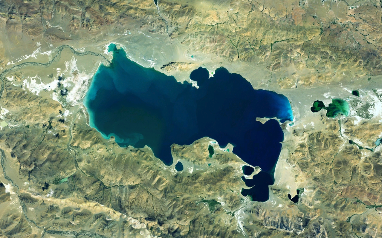 Lacul Namco văzut din satelit. Sursa foto Wikipedia