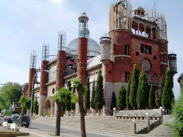 Catedrala ridicata de Justo Gallego Martínez. Autor foto Tony Rotondas, sursa Wikipedia.