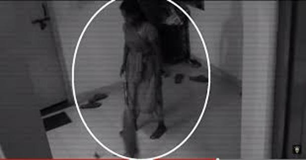 O servitoare s-a întâlnit cu o fantomă