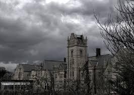 Spitalele  bântuite şi abandonate dau frisoane