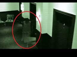Fantomă filmată într-un hotel la Paris