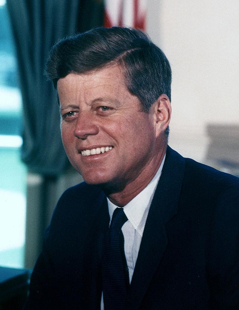 John_F._Kennedy,_White_House_color_photo_portrait