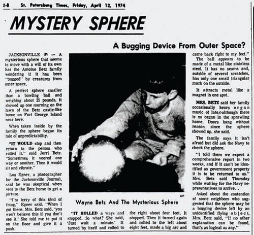 O sferă misterioasă cu patru poli magnetici!